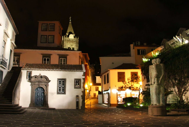 Cathedral of Funchal and other buildings