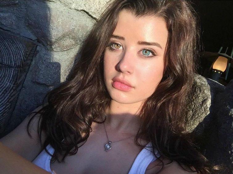 Сара МакДэниэл: Модель с разноцветными глазами