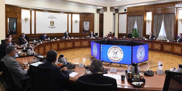 رئيس الوزراء يستعرض مع أعضاء هيئة لجنتي الإسكان والإدارة المحلية بمجلس النواب الاشتراطات البنائية الجديدة للمدن المصرية