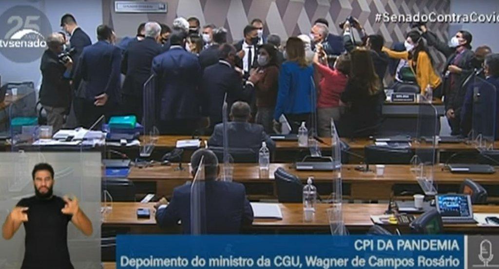 SESSÃO DA CPI É ENCERRADA APÓS XINGAMENTOS E  POLÊMICA ENVOLVENDO O MINISTRO DA CGU