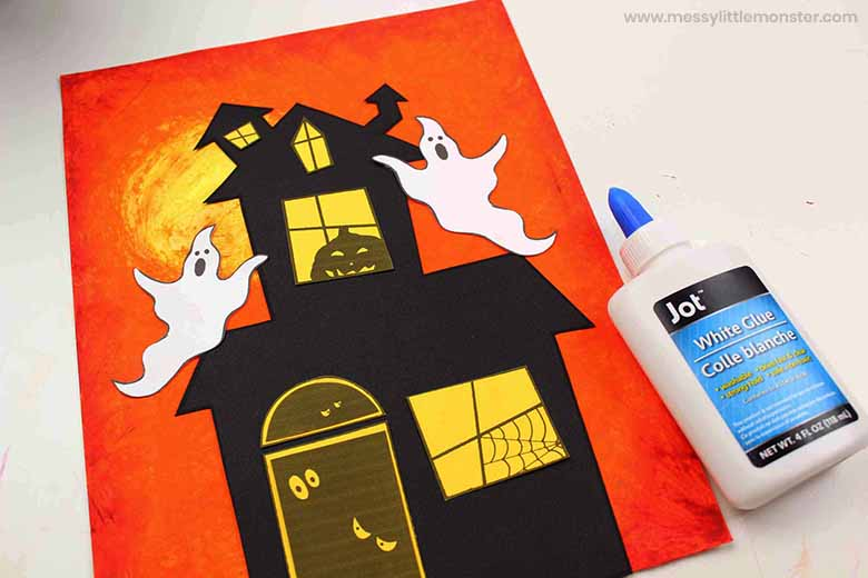 Halloween haunted house craft for kids