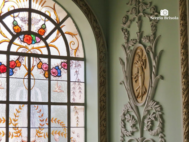 Palacete Violeta (Vitral da escadaria e adornos - detalhes)