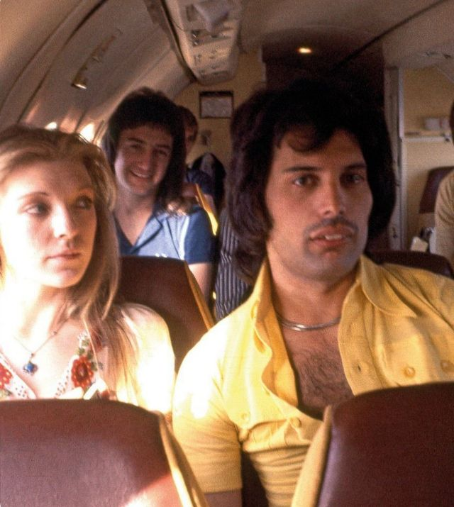 25 romantic photos of freddie mercury with mary austin the woman who stole his heart vintage everyday freddie mercury with mary austin