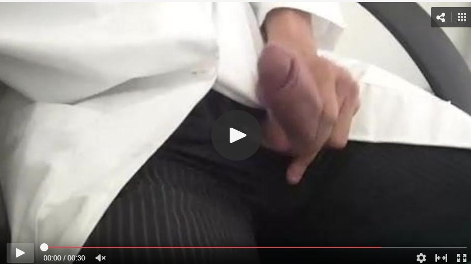 el médico y su verga erecta