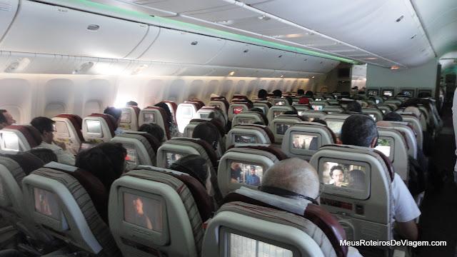 Interior do Boeing 777-300 da TAM