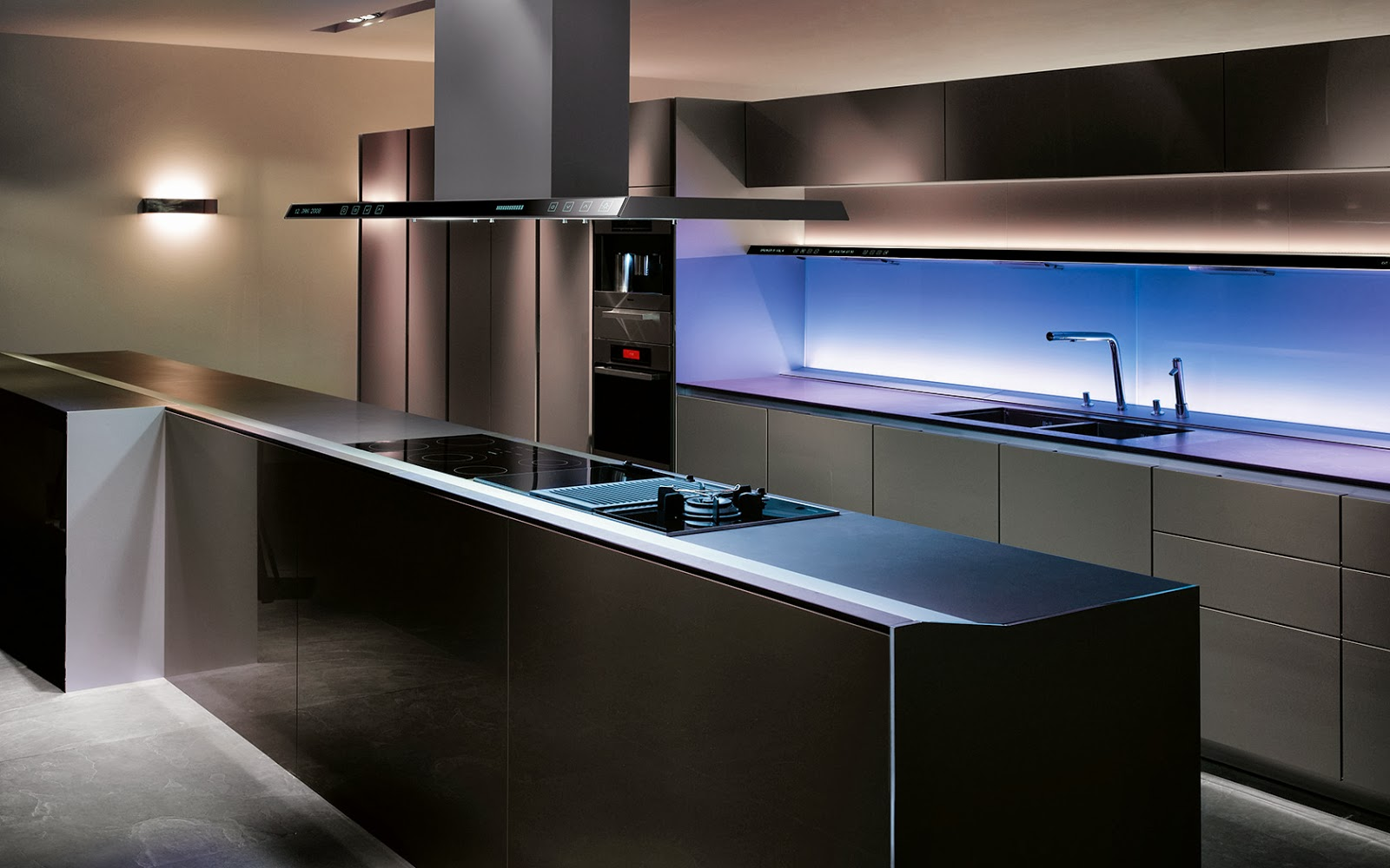 cuisine parallele sans poignees par siematic. Black Bedroom Furniture Sets. Home Design Ideas