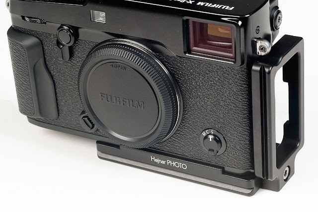 Fujifilm X-Pro2 w/ Hejnar Photo X-PRO2 L bracket front view