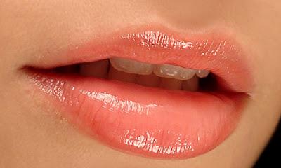Comment avoir des belles lèvres douces et pulpeuses naturellement