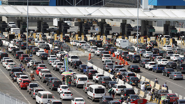 Trump amenaza con aranceles de 25 % a los vehículos si México no controla el tráfico de drogas