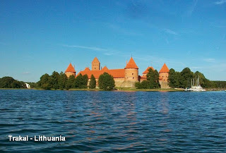 trakai lithuania castle