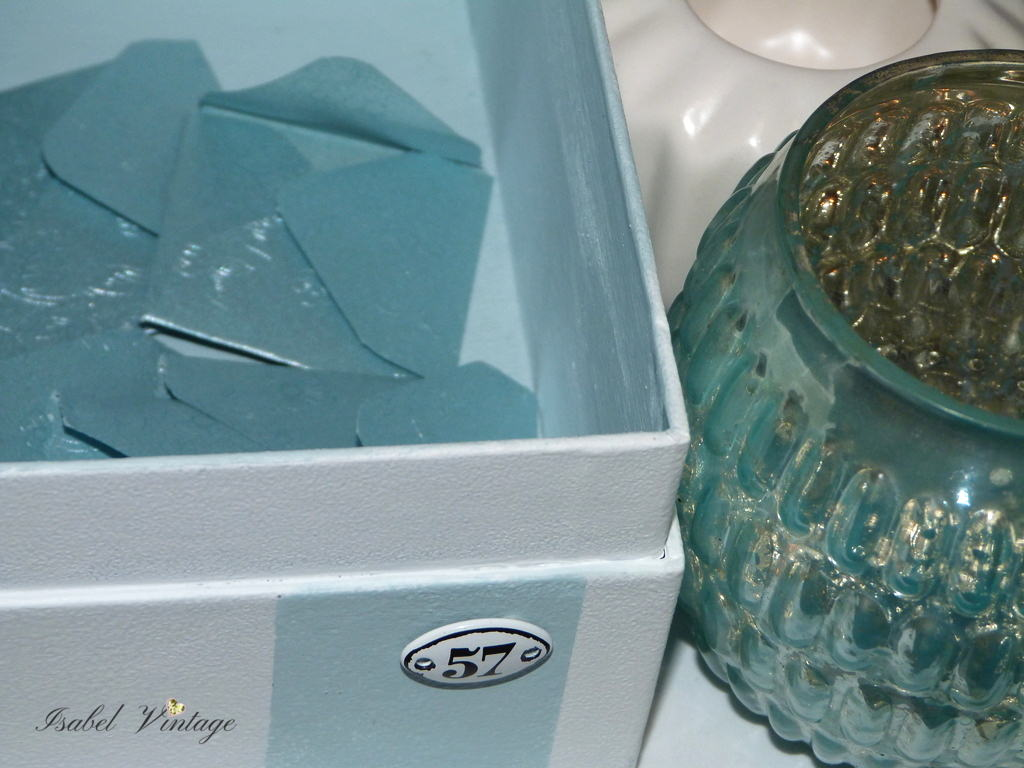 Reciclar una caja de carton con chalk paint isabel vintage for Cajas carton almacenaje