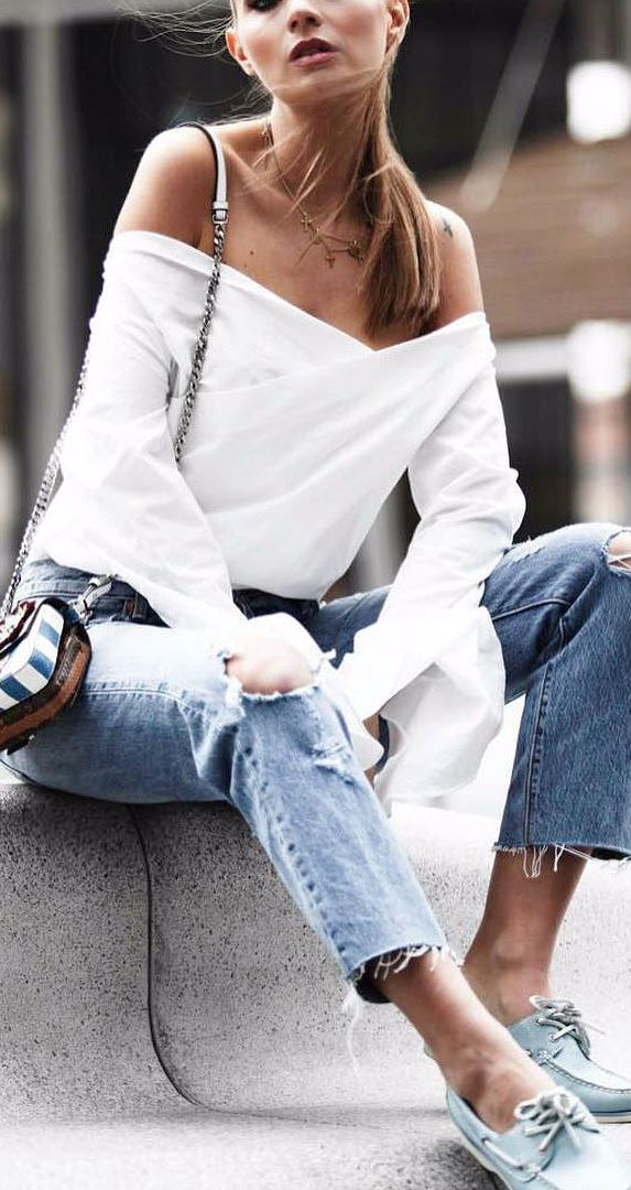 casual style obsession: off shoulder top + rips + bag