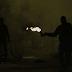 Εξάρχεια: Επίθεση κουκουλοφόρων με μολότοφ σε διμοιρία των ΜΑΤ
