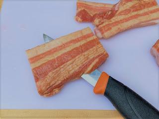 ステンレスであれば、塩分の多い食材を切っても錆が気にならない。