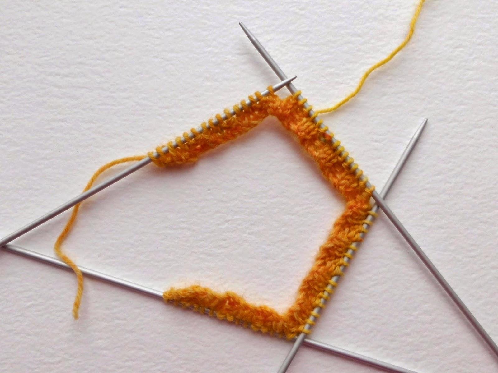 Beginner sock knitting - Winwick Mum Sockalong - joining into the round on DPNs