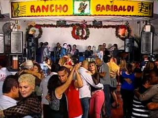 salon de baile rancho garibaldi, desamparados costa rica, gente bailando en garibaldi discoteca, pista de baile
