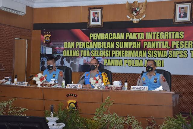 Kapolda Jambi Irjen Pol A Rachmad Wibowo, Pimpin Kegiatan Pengambilan Sumpah Seleksi penerimaan SIPSS