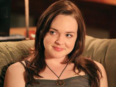 Lori Trager played by April Matson   Video Shqip