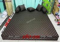 Sofa bed inoac nomor 1 saat di gelar difungsikan sebagai kasur inoac normal