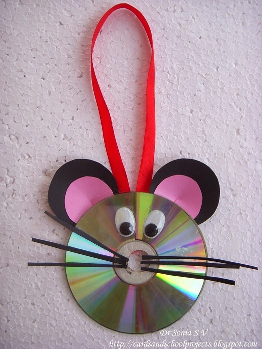 Diy beautiful mouse hanging decor out of waste old cd for Craft ideas out of waste