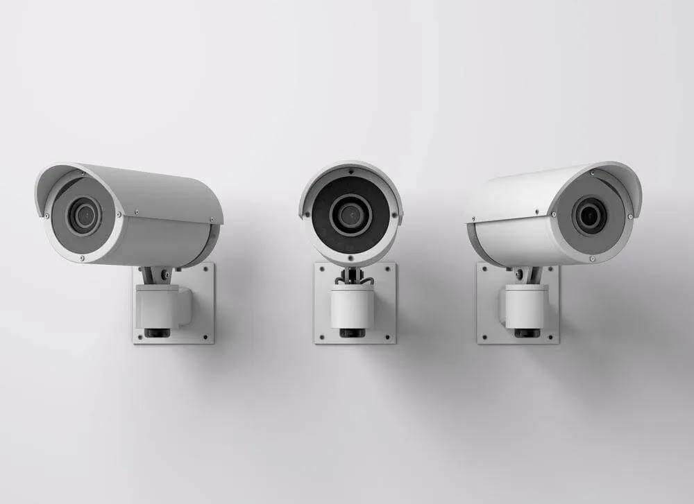 هل يمكن اختراق كاميرات المراقبة؟ كيف تحمي نفسك؟