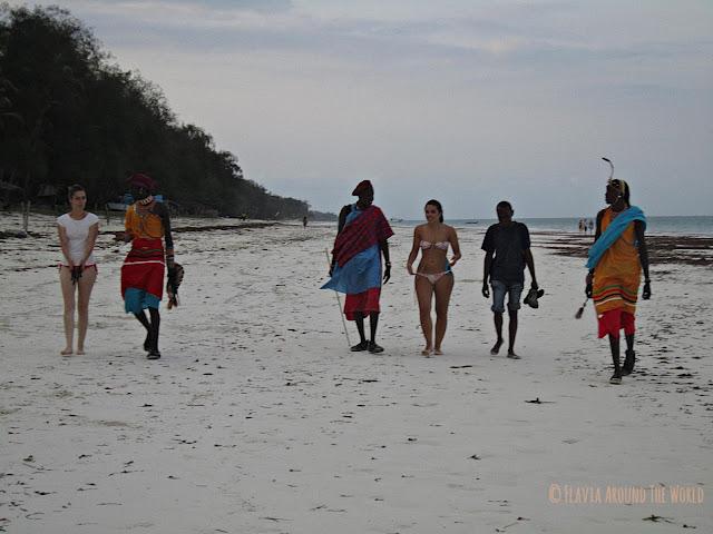 Paseo con Masais en Diani Beach, Kenia