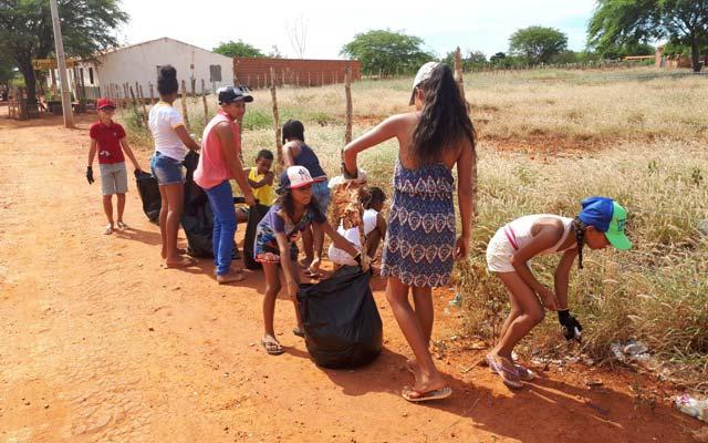 Campanha de Educação Ambiental é realizada em Umburanas