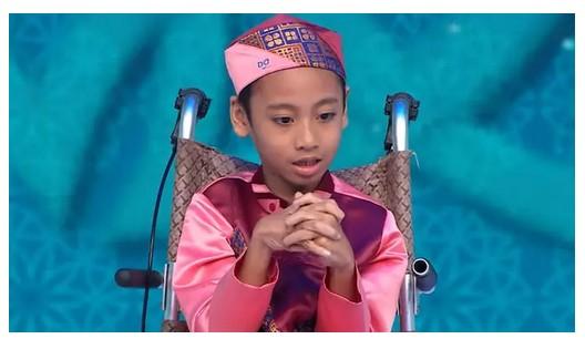 Kisah Naja, Anak 9 Tahun Penderita Lumpuh Otak Yang Hafal 30 Juz Alquran. Subhanallah..