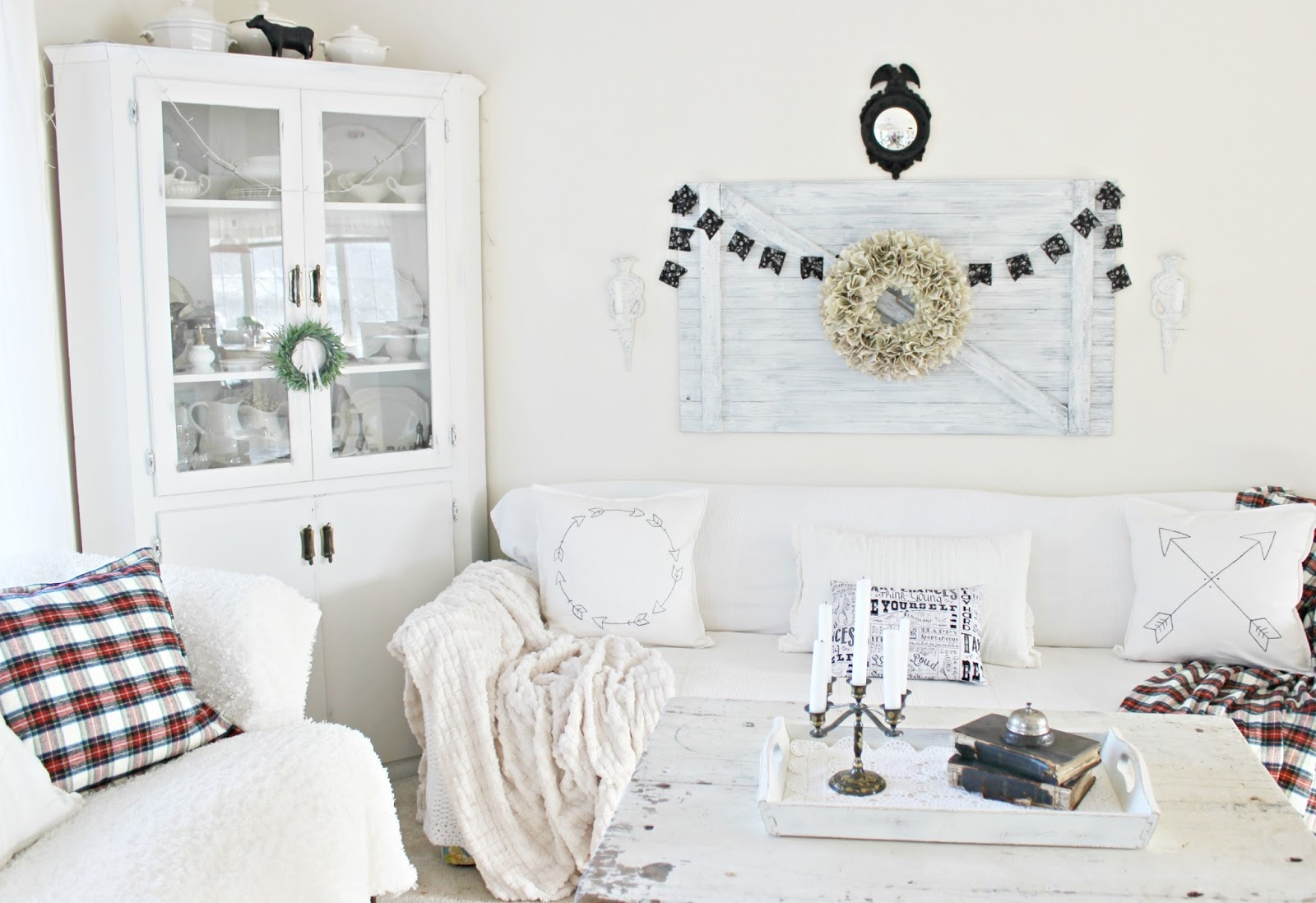 Happy At Home: Black and White Cottage Style Living Room