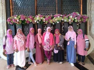 Foto bersama Blogger Bandung di Crowne Plaza Bandung