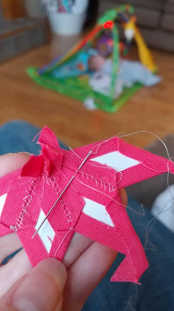 Using the flat back stitch for English paper piecing / EPP