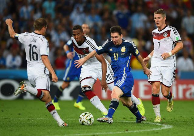 Messi hoảng loạn sợ bị gãy chân, bị xử phũ lỡ hẹn trả nợ cũ World Cup 2