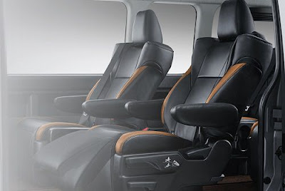 Interior Toyota Hiace Luxury