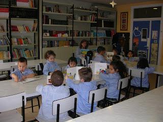 http://lecturaboscos.blogspot.com.es/2016/04/infantil-visita-la-biblioteca-escolar.html#more