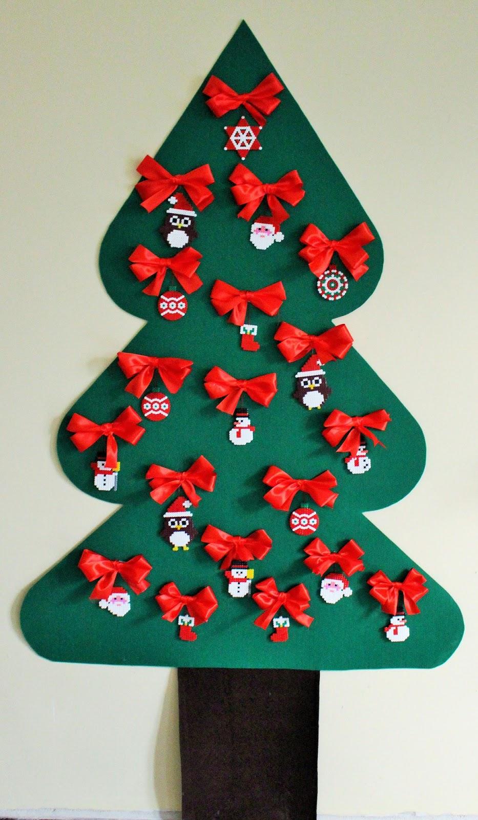 Top Mamma Gioca: Albero di Natale da parete con decorazioni di perline  PT52