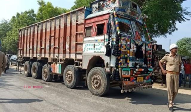 हिमाचल: सड़क पार कर रहे बुजुर्ग को ट्रक ने मारी टक्कर, घसीटते हुए ले गया, बेटे के सामने हुआ देहांत