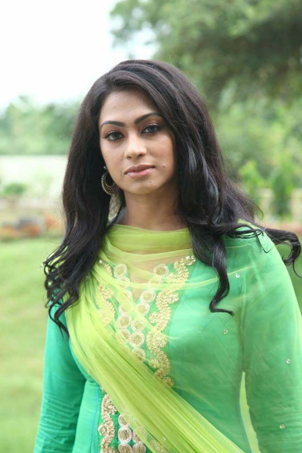 Sadika Parvin Popy Biography & Images 13