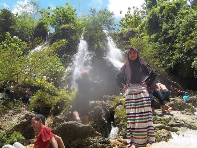 Pesona Alam Indah di Lokasi Air Terjun Sri Gethuk, Gunung Kidul - Yogyakarta