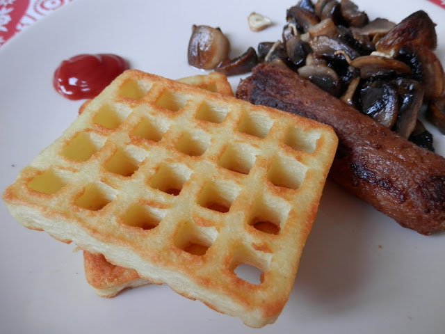 Waffles, vegan sausage and mushrooms. What do Vegans Eat?  Vegan Meal Ideas secondhandsusie.blogspot.co.uk