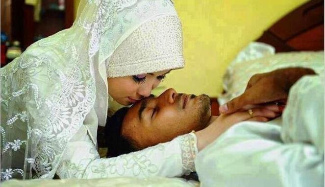 Buat Pasangan Suami Isteri, Inilah Doa Sebelum Dan Selepas Hubungan Intim Yang Wajib Kamu Tahu. Mohon Kongsikan Doa Ini...