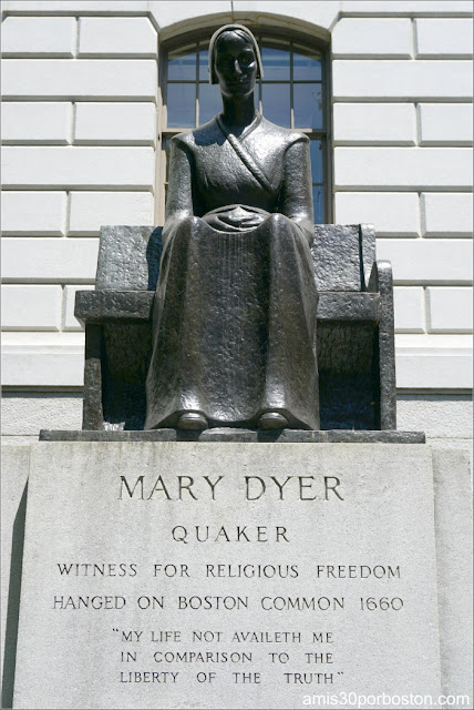 Escultura de Mary Dyer en el Massachusetts State House