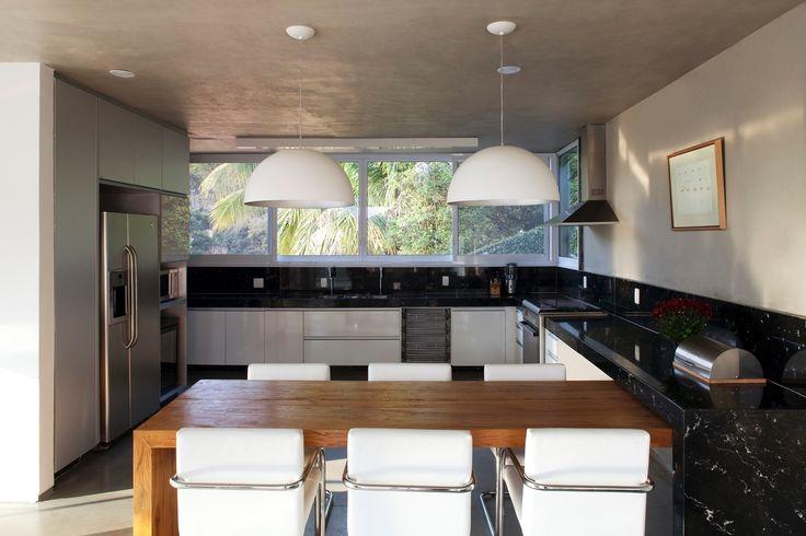 20 cozinhas modernas com bancadas pretas jeito de casa - Super gourmet plus ...