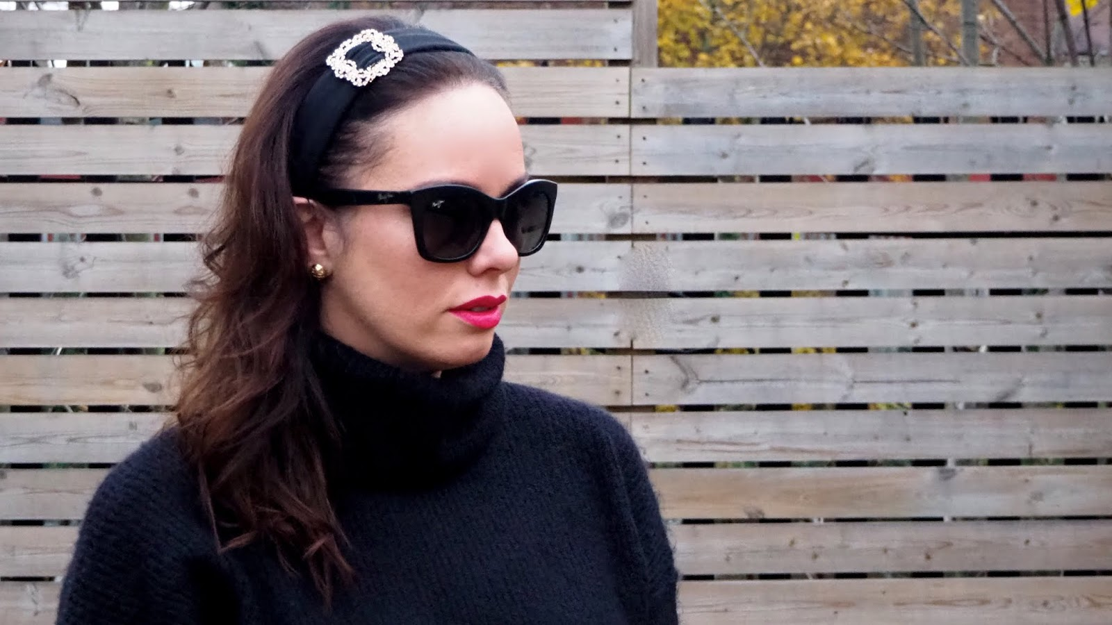 Black wide headband with rhinestones