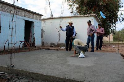 Supervisan obras de cuartos dormitorios y techos firmes en Huatabampo