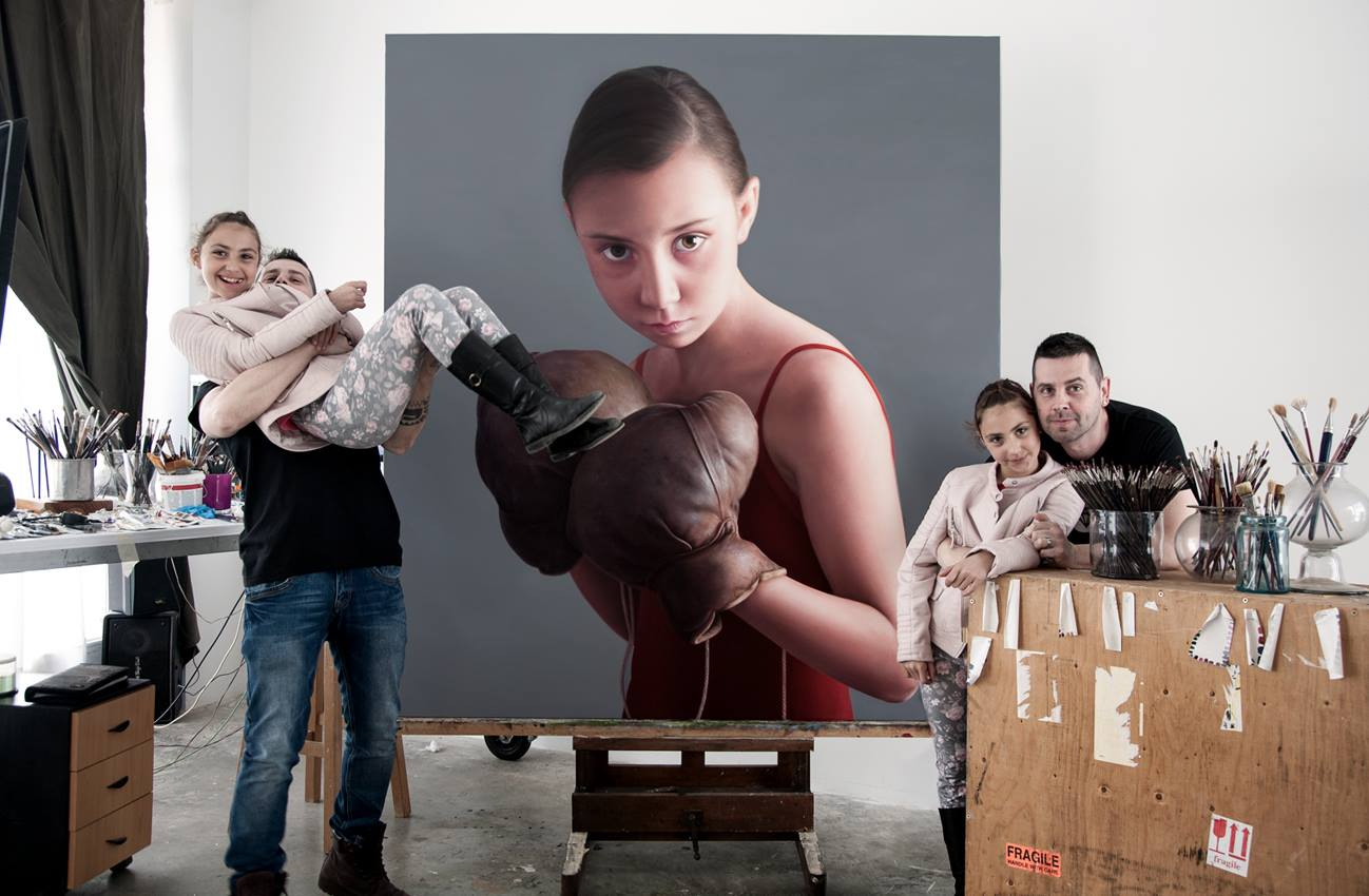 17-Pugilist-Daughter-Antonio-Castelló-Avilleira-Visual-Art-with-Hyper-Realistic-Paintings-www-designstack-co