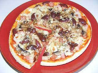 pizza, pizza la tigaie, retete de mancare, pizza rapida, retete culinare, mancaruri, gustari, pizza cu de toate, mancare,
