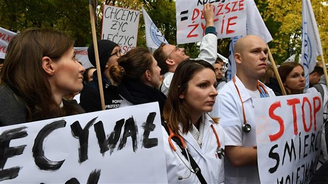 Poland doctors demand better pay, hike in funding for health care system