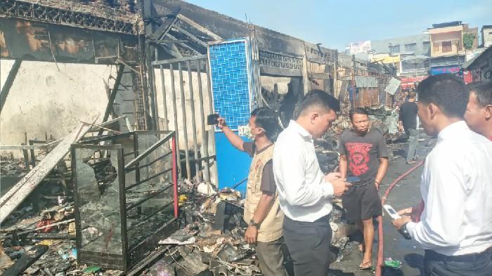 Polisi Selidiki Penyebab Kebakaran Pasar Sentral Sinjai