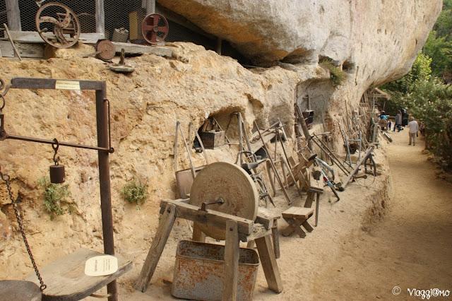 Attrezzi per il lavoro presenti nel sito preistorico delle Grotte du Roc de Cazelle