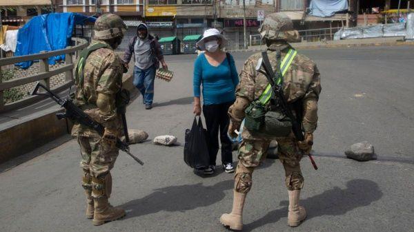 Evo exige que se aclare el traslado de tanques a La Paz